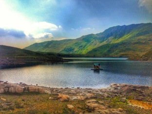 A lake we passed by on our way up Snowdon Mountain